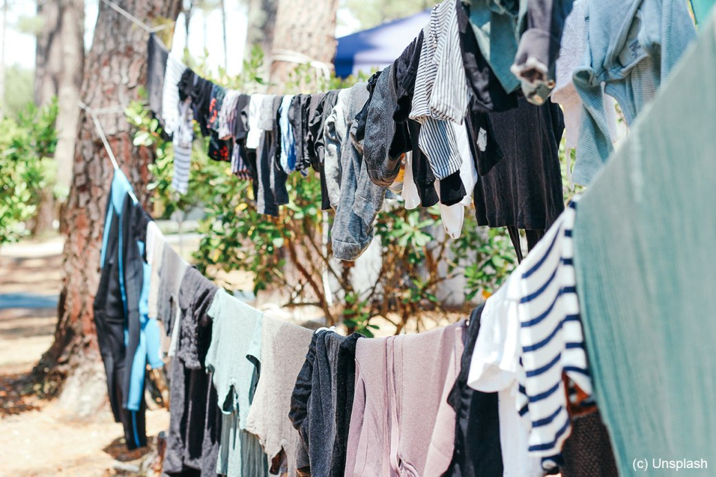 clothes-brina-blum-unsplash-1280